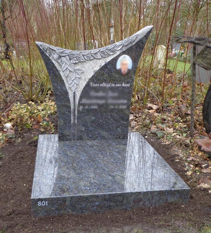 Grafsteen met Vorm in Steen