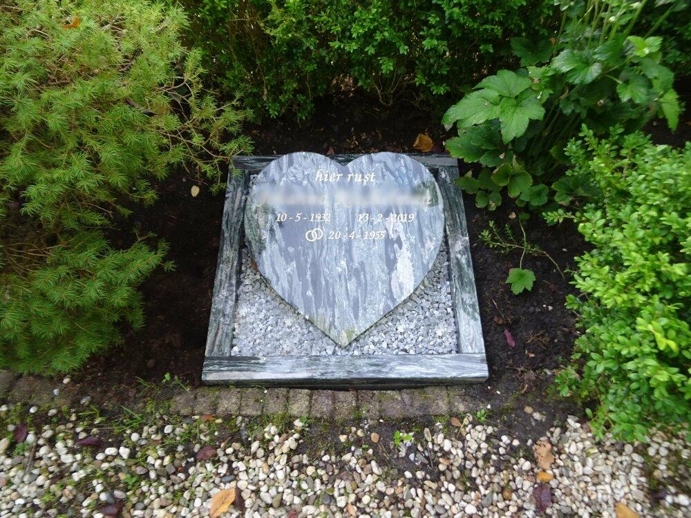 Grafsteen Lavertu Steenhouwers