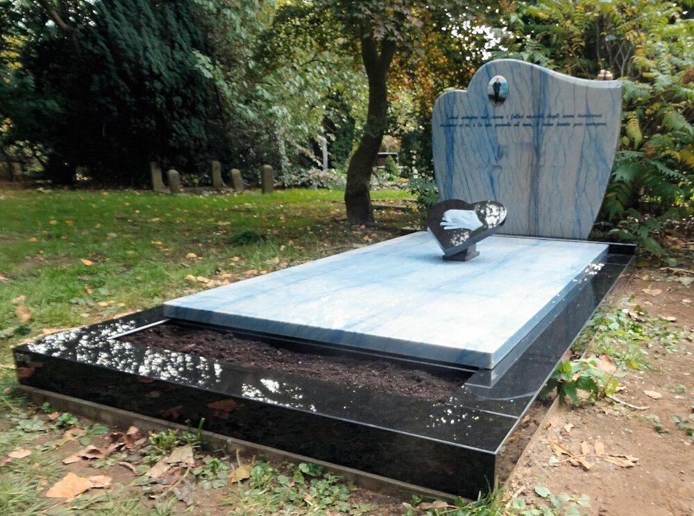 Azuur blauw grafsteen